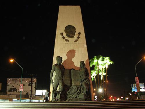 mexicali-de-noche2