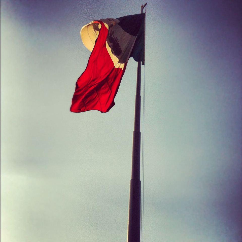 bandera zocalo de mexico