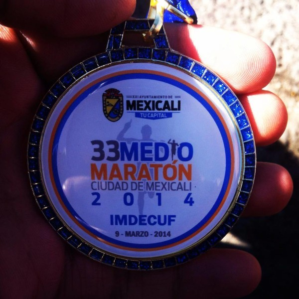 medalla del medio maraton de mexicali